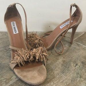 Steve Madden nude fringe heels