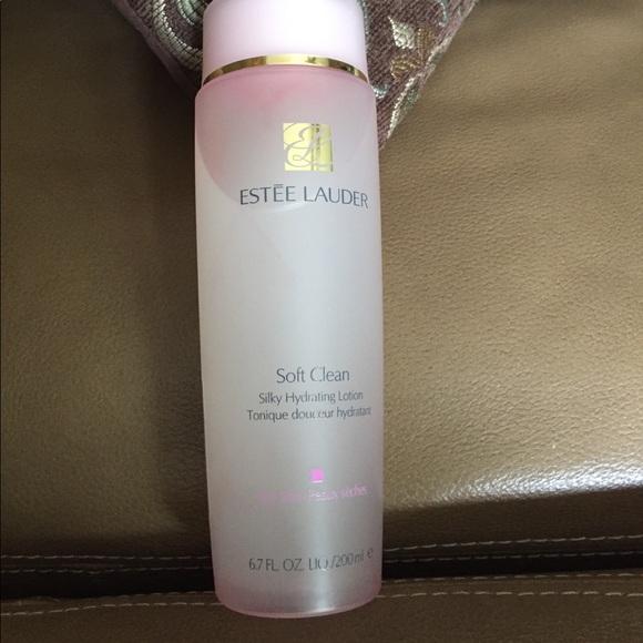 Soft Clean Silky Hydrating Lotion by Estée Lauder #8