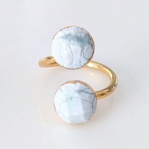 Gold-plated howlite stone wrap ring