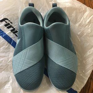 NWOT NIKE FREE TRAINING women's shoes 6.5sz