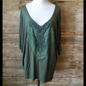 💚🖤 Free people olive green tunic