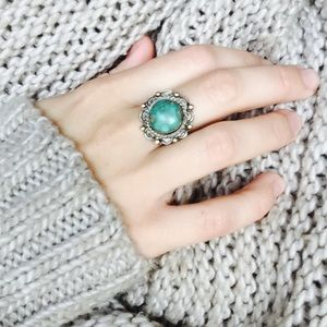 Vintage silver and turquoise ring!