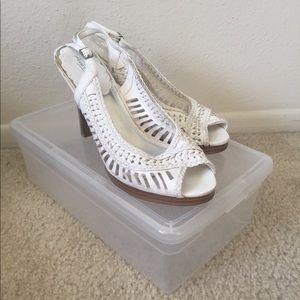 Ann Michelle white sandals with shoe box