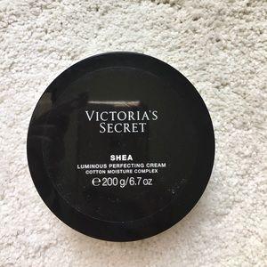 Victoria's Secret Luminous Perfecting Cream