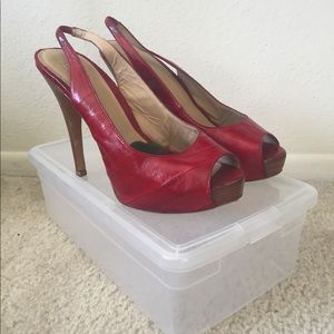 Pelle Moda Red pumps with shoe box