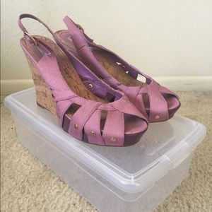Steve Madden pink sandals with shoe box