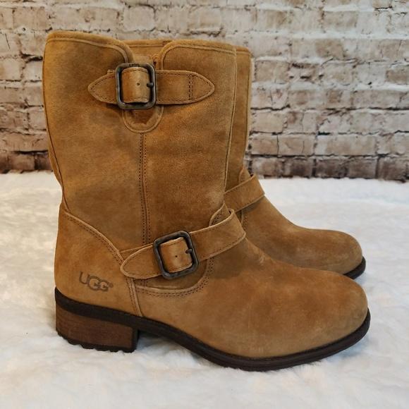 66e2e0192aa NEW UGG Chaney Shearling Boots NWT