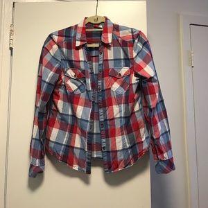 Cute plaid shirt!