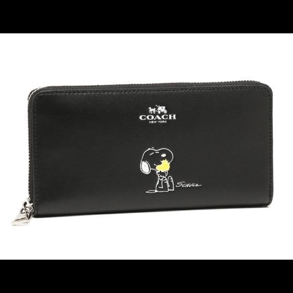 dba9d6f4cd Coach x Peanuts Snoopy accordion zip wallet NWT NWT
