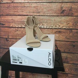 Aldo Myly heels. Beige. Size 6