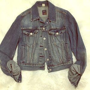 Levi's Distressed Cropped Denim Jacket