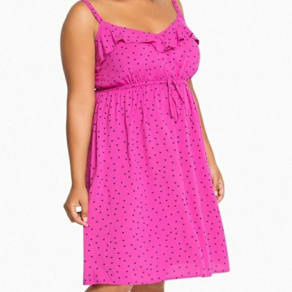 8797d91ad595 NWT Torrid 4X pink heart dress