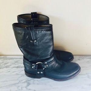 Frye Maxine Trapunto Shortie Boot