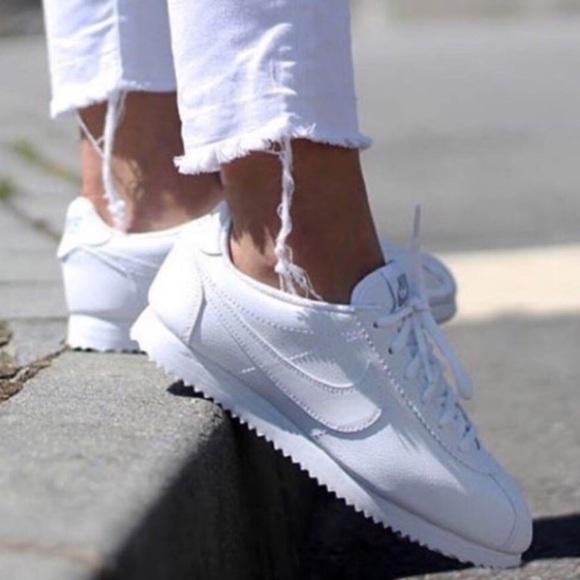 nike cortez white outfit