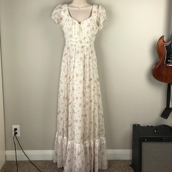 18a187ed44b93 Vintage 70s Gunne Sax floral long prairie dress