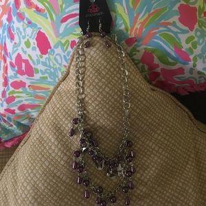 Paparazzi necklace/earring set silveryone/purple