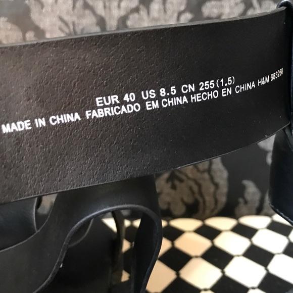Divided Shoes - NWT H&M Black Strap Creeper Sandal