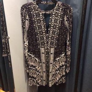 NWT! Black tegan border print mini dress