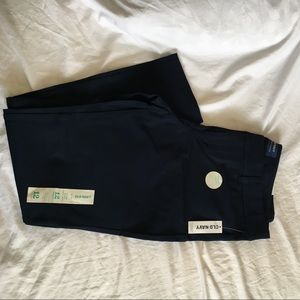 NWT Old Navy Pixie pant. Navy. Size 12.