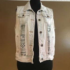 Sleeveless Tribal Print Vest