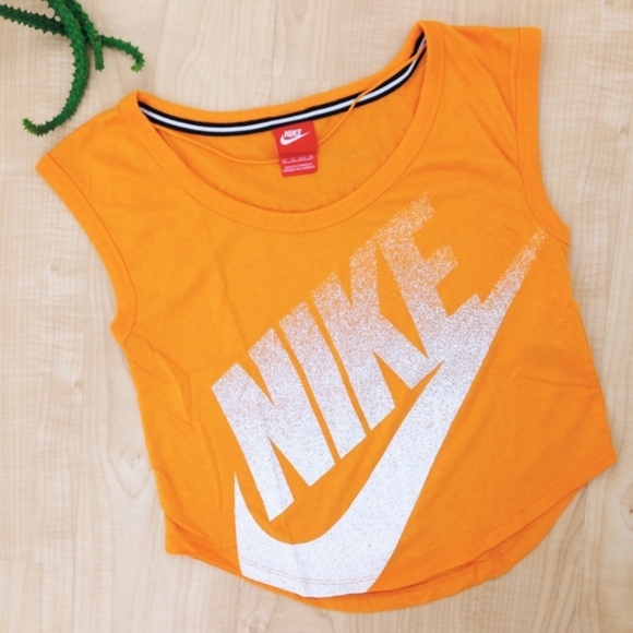 42a78f34c37 Nike Gradient Logo Orange