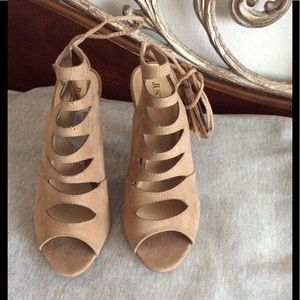 """""""NWOT""""JustFab Taupe Tie Up's"""