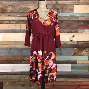 New York & Co Maroon Floral VNeck Dress Large