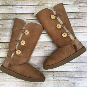 UGG Chestnut Bailey Button Triple Boot