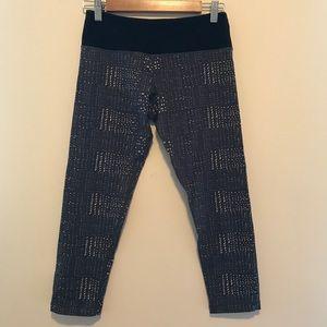 Vuori printed yoga pants
