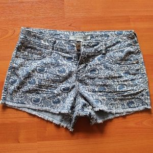 Forever 21 Jean Shorts Size 25 Floral Stretch EUC