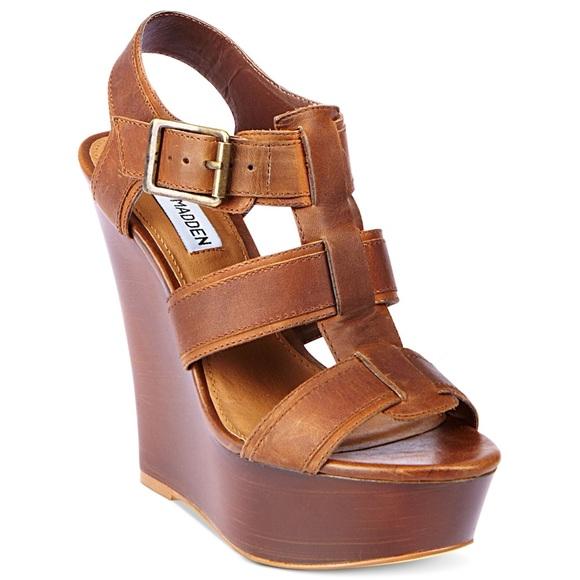 f695a7c705d Steve Madden Wanting Wedge Sandal in Cognac 🍂. M 59c97a274e8d179a3d08bf85