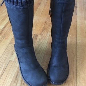 UGG Skylair Wedge Boots ~ Black (Size 8)