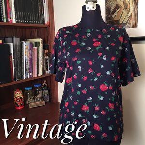 🆕 Vintage LizSport Floral Top