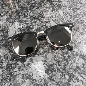 AUTHENTIC Ray-Ban Clubmaster