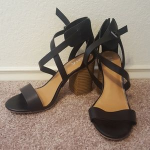 Strappy Black Heels with Chunky Heel