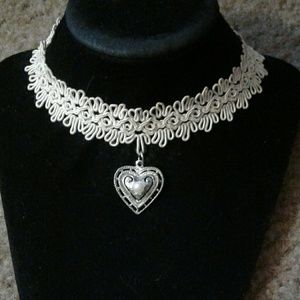 Crocheted Cream Color Faux Pearl Heart Choker