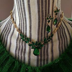 Nice Emerald Gold Leaf Necklace Earrings Set