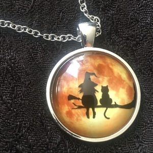 🔮WITCHY FRIENDS🔮 Glow-in-the-Dark Pendant