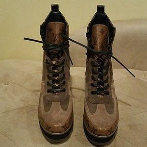 aff614ac4782 Louis Vuitton Shoes - Authentic Louis Vuitton boots