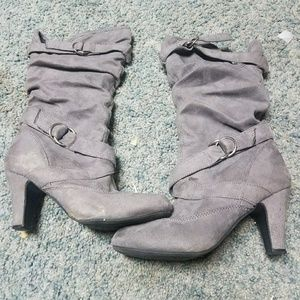 Shoes - Gray heeled boots