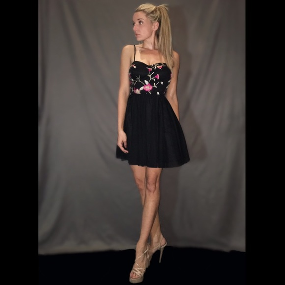 Social Couture Dresses & Skirts | Short Black Cocktail Dress With ...