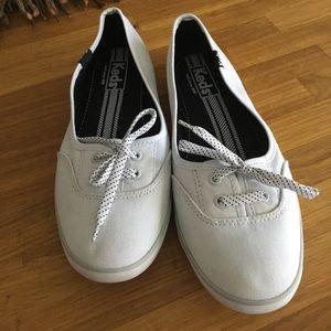 Keds white slip on sneakers sz 7