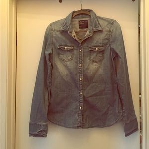 American Eagle denim shirt, size 8, great for fall