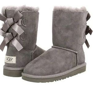 Ugg bailey bow Womens boots size 7