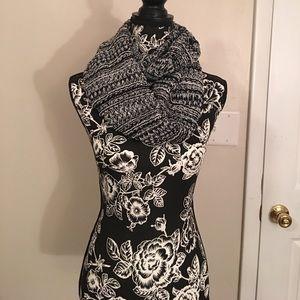 Cozy Black/White Loop Infinity Scarf Crochet Kit