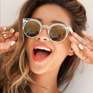 Gorgeous Quay sunglasses 🕶