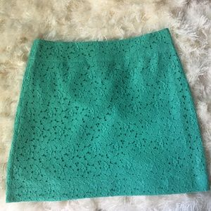 Ann Taylor lace skirt. Size 8.