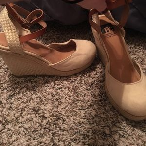 Ankle wrapped wedges