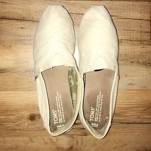 4283f6114bfc Toms Shoes - RARE light yellow toms