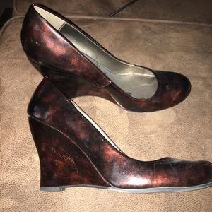 Marble brown dressy wedges